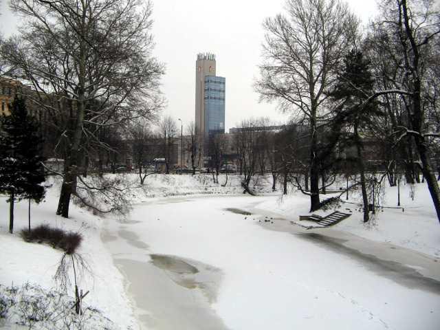 Рижский вокзал и городской канал